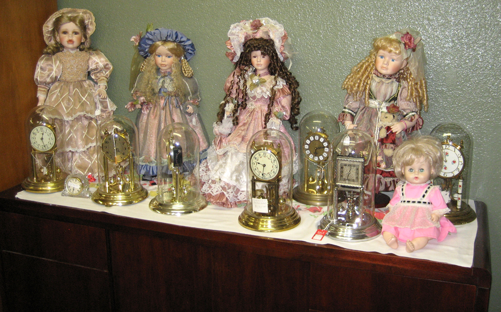 Kettelhuts-Anitques-Collectibles-Dolls-Clocks-Kingman-AZ-1