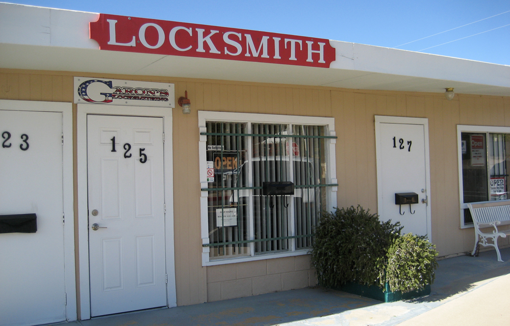 KMM-Kingman-Business-Garons-Locksmithing-Mobile-Locksmith-Transponder-Key-Programming-2