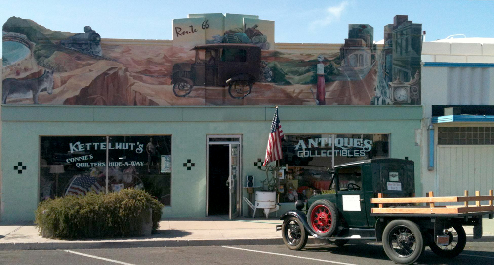 Kettelhut's Antiques and Collectibles